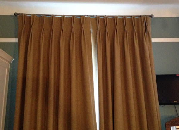 twin-pleat-curtains
